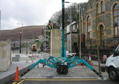 Porth War Memorial, lift, bathstone